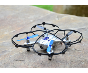2.4G 4CH RADIO COMMANDE Quadcopter AVEC 6 axes GYRO & 0.3MP CAMERA